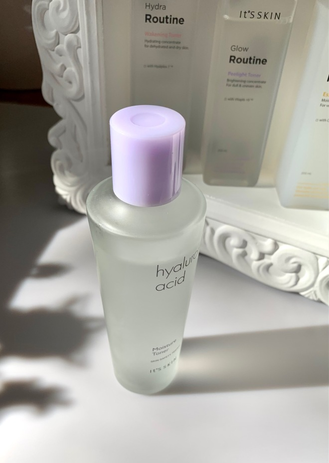 moisture toner hyaluronic acid it's Skin