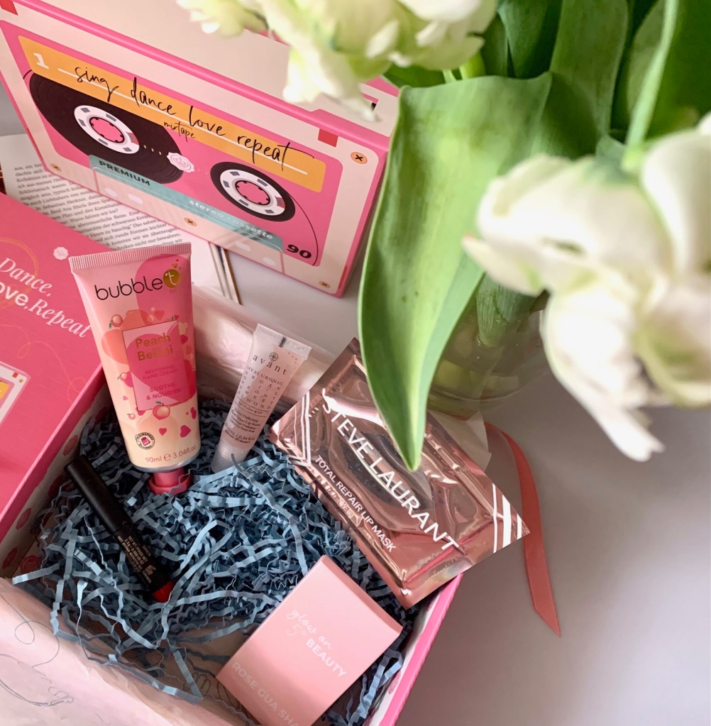 glossy box February 2021 beauty box